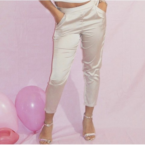 Pantalon court satiné Kiara nude